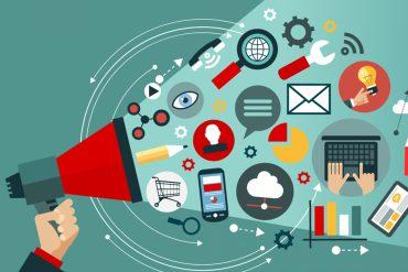 Aperiam - Dalla C ai Social : comunicazione e social per chi non si occupa di comunicazione social
